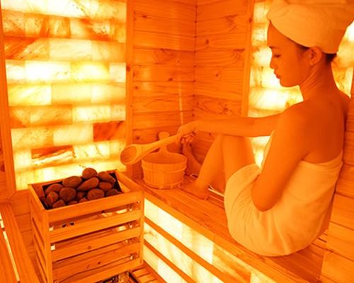 Đèn sưởi nhà tắm Kottmann được sử dụng trong phòng xông hơi